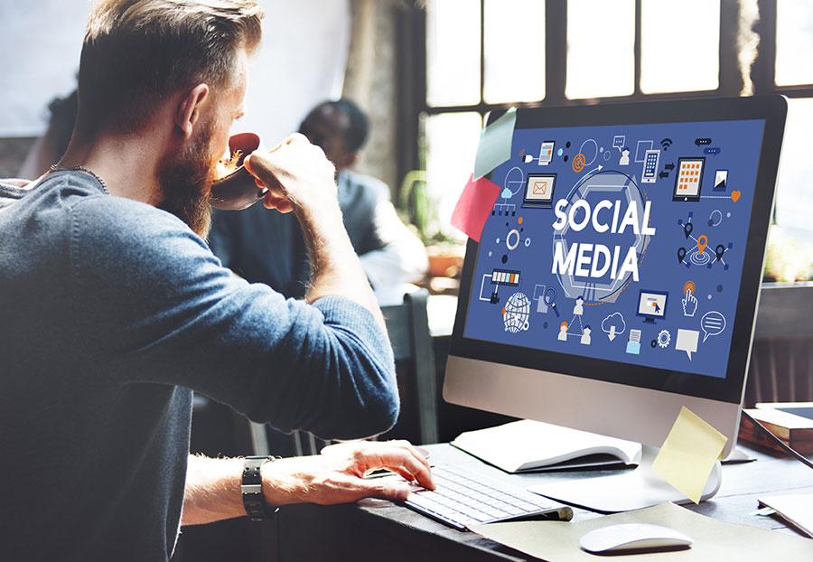 Sociala medier: Instagram & Facebook